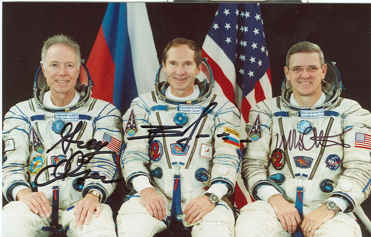 # cspc099c Soyuz TMA-7 crew signed photo