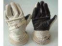 # h056 Soyuz T-3/Salyut-7 Sokol gloves of board engine