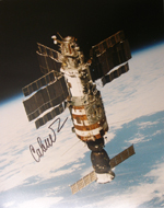 # iph298 Svetlana Savitskaya autographed Salyut-7/Soyuz T-12 photo - Click Image to Close